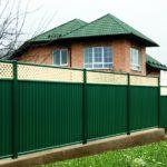 Профлист, или Какой выбрать забор для ограждения загородного дома?