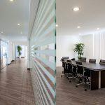 Выбор ламинатного покрытия для офиса