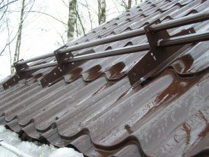 Трубчатый снегозадержатель